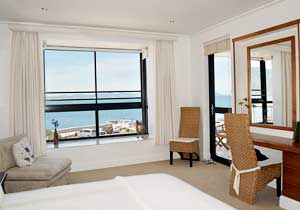 Hermanus Sea View Apartment - Main Bedroom