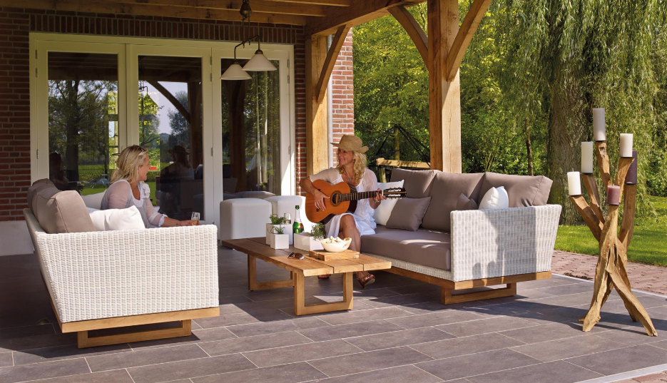 Creating a Sensational Outdoor Entertainment Area for Summer